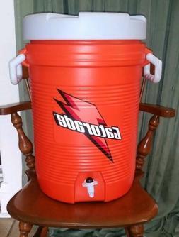 Gatorade BIG 5 Gallon SPORTS DRINK COOLER Rubbermaid Beverag