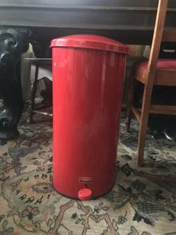 Rubbermaid Commercial The Defenders Steel Step Trash Can - 5