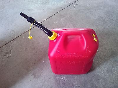 5600 2 can w/ FREE flexible nozzle/spout